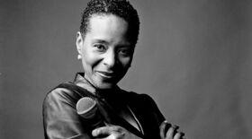 Jocelyn B. Smith - Shine A Light