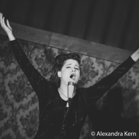 Bild: Clara Pazzini singt Brel - Premiere