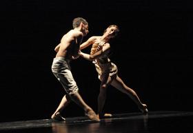 Bild: What if/Zwischen Himmel und Dir (Posterino Dance Company)