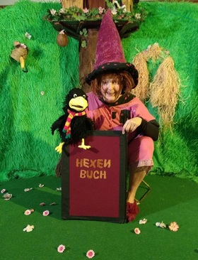 Bild: Die kleine Hexe Wackelzahn in Bongo - Theater Doris Batzler