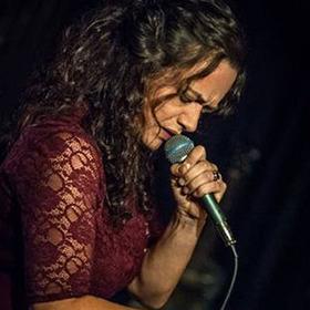 Bild: Meena Cryle & The Chris Fillmore Band