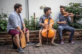 Bild: Groove and Classic - Instrumentalkonzert mit Cello, Percussion und Geige