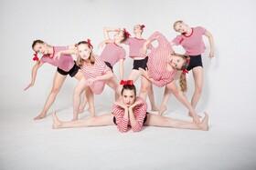 Bild: Rebel Dance Company - Tanzschriften