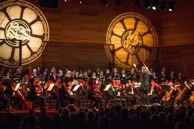 Bild: Carmina Burana 2021 - mit großem Chor, internat. Solisten & Orchester