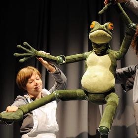 Bild: Theater Urknall - Der Froschkönig oder der eiserne Heinrich