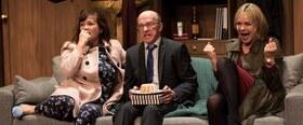Bild: Funny Money - Mit Peter Notmeier, Simone Pfennig, Saskia Valencia u.a. 8 Mitwirkende