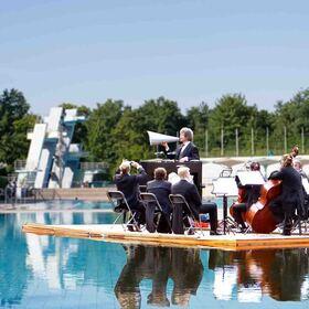 Bild: Wassermusik Heilbronn: Open Air Freibad Neckarhalde
