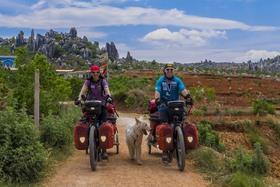 Bild: Tanja & Denis Katzer: So weit der Akku reicht - E-Bike Expedition durch Sibirien, Mongolei und China