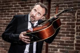 Bild: Helmut Sanftenschneider - Gitarrenflüsterer