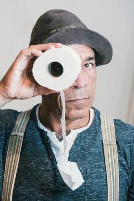 Bild: Peter Shub: Für Garderobe keine Haftung