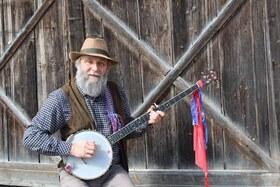 Bild: Der oberschwäbische Liedermacher Michael Skuppin - Mei Sulga - Lieder von Bad Saulgau, dessen Geschichte, den Sulgamern und ihren Geschichten - auf guat schwäbisch!