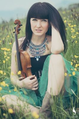 Bild: Babykonzert in Kooperation mit Alizz & Melissa - mit Akkordeon, Violine und Klangschalen