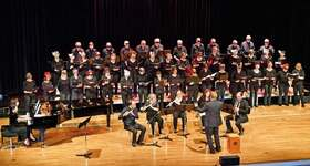 Bild: Gemeinschaftskonzert - LehrerInnen der Musikschule Ehingen & MontagsChor der Volkshochschule