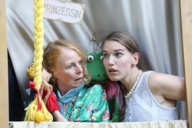 Bild: Der Froschkönig - Prinzessin sein oder nicht - nach dem Märchen der Gebrüder Grimm für Kinder ab 4 Jahren