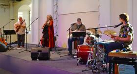 Bild: Ostrock-Musikgrößen geben sich ein Advents-Stelldichein