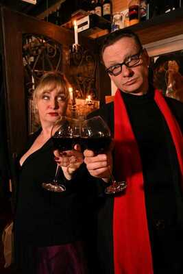Bild: Wein muss sein - Angela Bekele & Frank Hilsamer