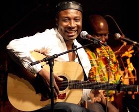 Bild: Adjiri Odametey – Afrikanische Weltmusik