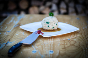 Bild: Das bayrische Kriminal Dinner Open Air - Krimidinner mit Kitzel für Nerven und Gaumen