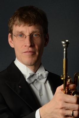 Bild: Weihnachtliches Orgelkonzert im Kerzenschein - Musik für Trompete und Orgel