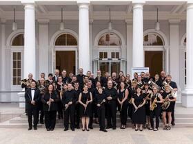 Bild: Benefizkonzert mit dem Sinfonischen Blasorchester Hessen - Leitung: Landesmusikdirektor Karsten Meier