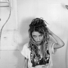 Bild: Sarah Lesch - Den Einsamen zum Troste