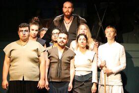 Bild: Crossroads - Kreuzwege, Sprünge für das Leben   : (Inklusives Jugendtheater)