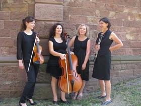 Bild: Busch Kolleginnen mit Werken von Farrenc, C. Schumann, Faisst
