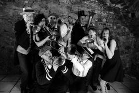 Bild: Pelgen & die Croonies - Rebellion im Flüsterton