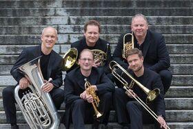 Bild: Silvesterkonzert mit Irmtraud Tarr (Orgel) und Quintetto Inflagranti (Blechbläser)