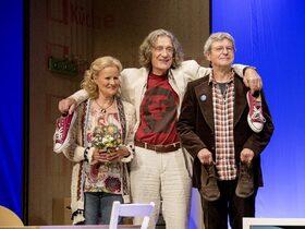 Bild: Wir sind die Neuen - Komödie nach dem gleichnamigen Film von Ralf Westhoff mit Winfried Glatzeder, Claudia Rieschel u. a.