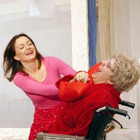 """Bild: Maria hilf - Theaterstück über eine Mutter, eine Tochter und ein """"unbezahlbare"""" polnische Perle"""