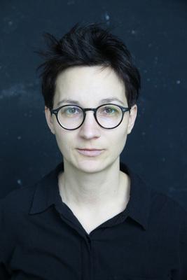 """Bild: Stefanie de Velasco - liest: """"Kein Teil Der Welt"""""""