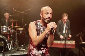 Bild: Jan Plewka & Die Schwarz-Rote Heilsarme - Jan Plewka singt Ton Steine Scherben & Rio Reiser (2)