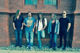 Bild: Tino Standhaft & Band