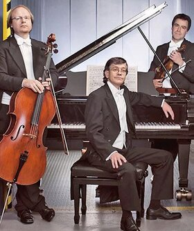 Bild: Weihnachtskonzert - Philharmonisches Klaviertrio Stuttgart