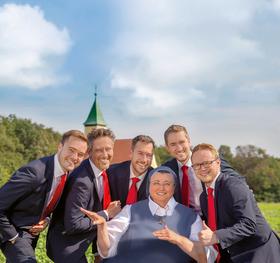 """Bild: Schwester Teresa Zukic & Stimmen der Berge - """"Lebe, lache, liebe und singe"""""""