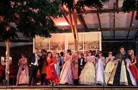 Bild: Die lustige Witwe - Operette von Franz Lehár