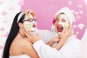 Bild: Die Weibsbilder - Botox to go