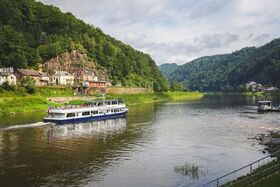 Bild: Abendliche Schnupperfahrt auf der Elbe ab/ an Meißen - Gemütliche Schiffstour mit Live Musik und Glühwein
