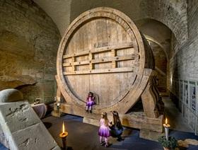Entdeckertour zum ältestes Riesenweinfass der Welt
