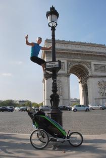 Bild: Walter Wärthl: Mit dem Kinderwagen nach Paris