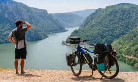 Bild: Maximilian Semsch: Unterwegs auf dem Donauradweg