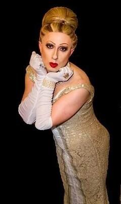 Bild: Carte - Rouge Travestie-Show - Zu Gast Larissa Montero