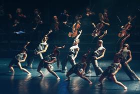 """Bild: Vertigo Dance Company (IL) """"White Noise"""""""