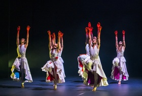 "Phoenix Dance Theatre (GB) ""The Rite of Spring"" + ""Left Unseen"""