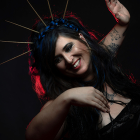 Sarah McCoy / (Support) - STIMMEN 2021