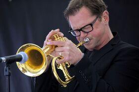 Bild: Jazzed Friends - mit der Uni Bigband Siegen unter der Leitung von Martin Reuthner