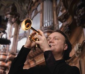 Konzert für drei Trompeten, Pauken und Orgel