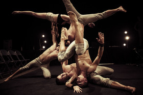 Gravity & Other Myths - A Simple Space - Acrobatic Show