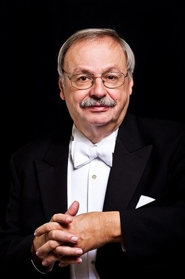 Bild: Philharmonie Lemberg - Klavier hoch drei